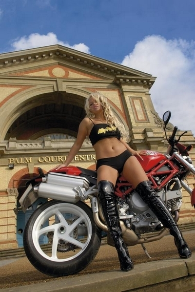 Moto & Sexy : Ducatine