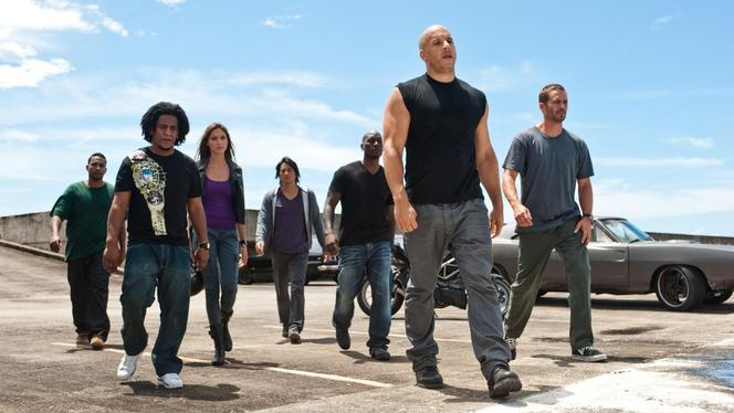 Critique Ciné Auto - Fast  and Furious 5 : retour aux sources