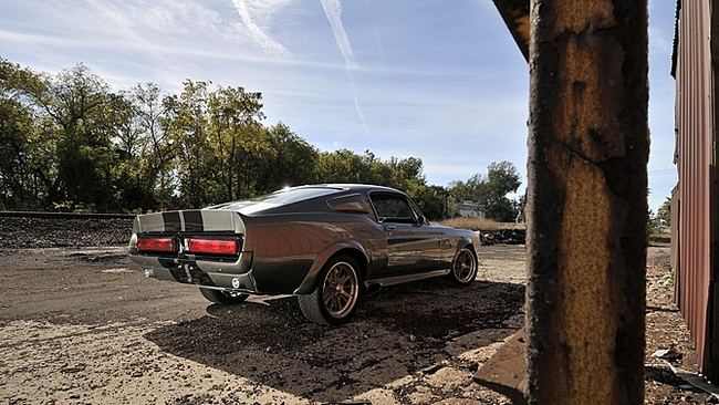 """Une Mustang """"Eleanor"""" encore une fois à vendre aux enchères"""