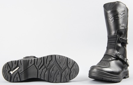 Reportage semelles Michelindes des pneus sur chaussures zSUpqMVLG