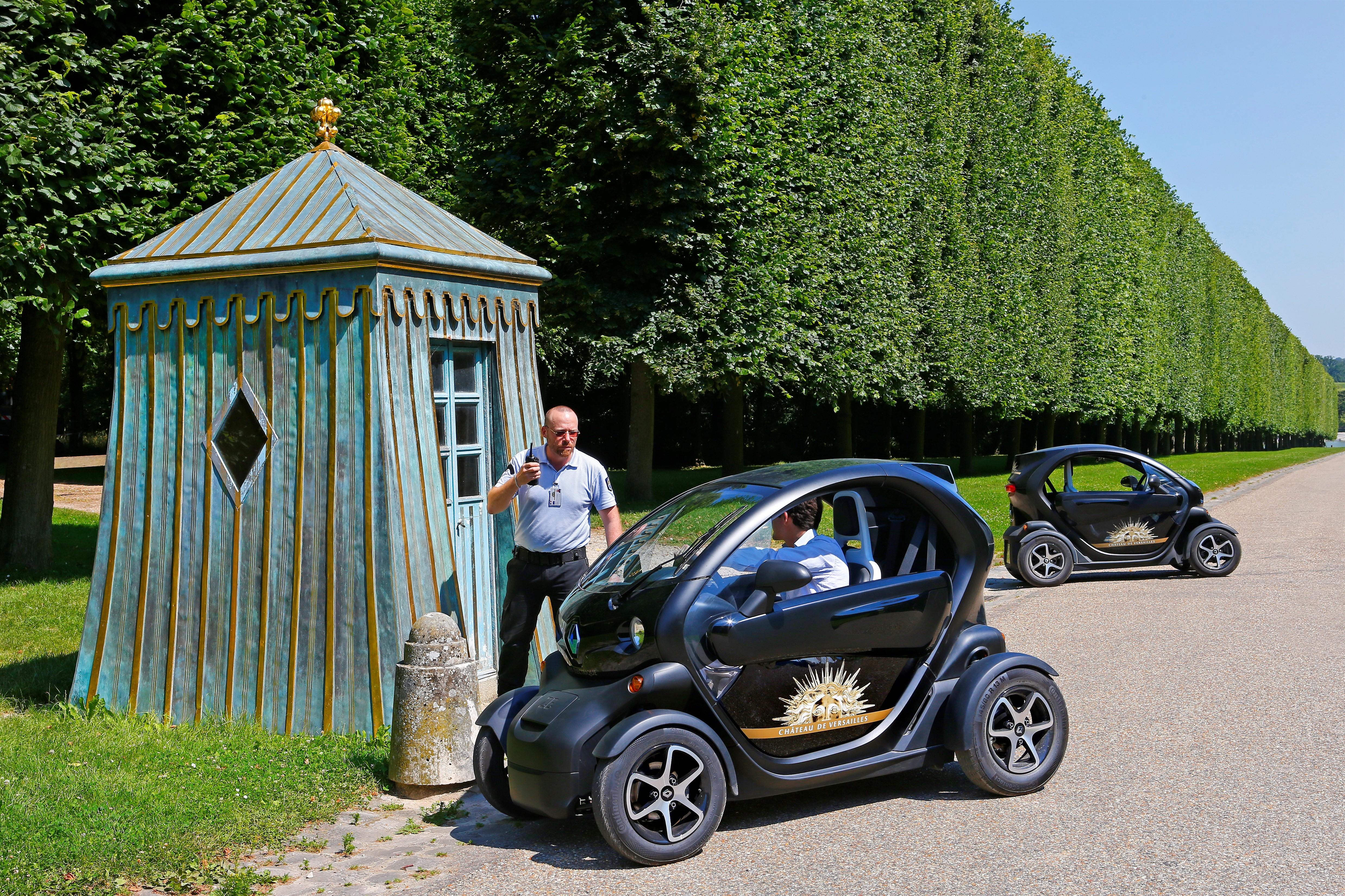 Renault lectrise le ch teau de versailles for Garage renault severac le chateau