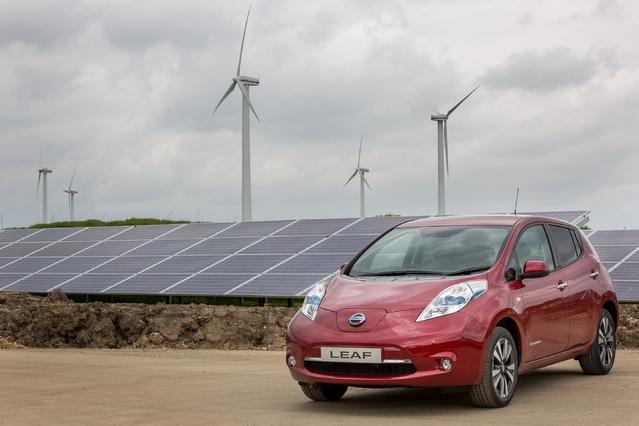 Nissan : des panneaux solaires pour produire des voitures