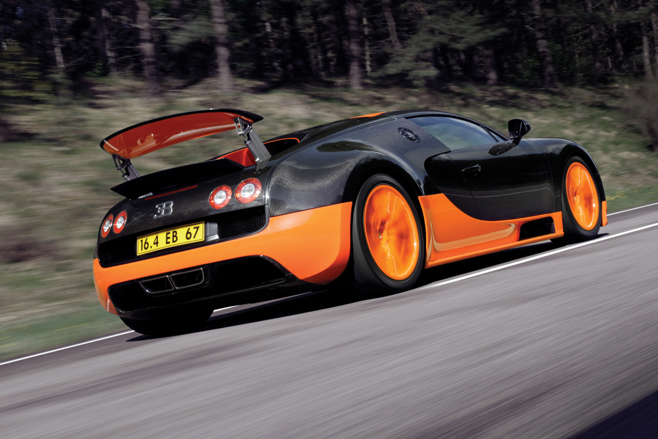 http://images.caradisiac.com/images/8/4/1/9/58419/S0-Bugatti-Veyron-16-4-Supersport-Les-photos-officielles-du-record-185724.jpg