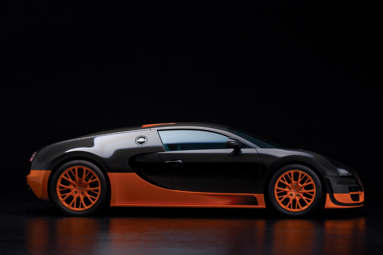http://images.caradisiac.com/images/8/4/1/9/58419/S0-Bugatti-Veyron-16-4-Supersport-Les-photos-officielles-du-record-185731.jpg