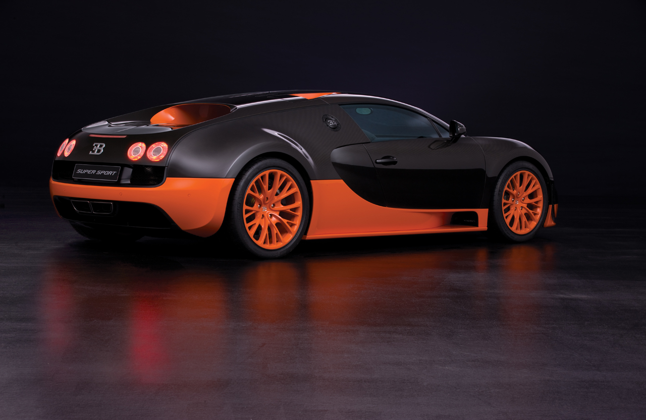 http://images.caradisiac.com/images/8/4/1/9/58419/S0-Bugatti-Veyron-16-4-Supersport-Les-photos-officielles-du-record-185732.jpg
