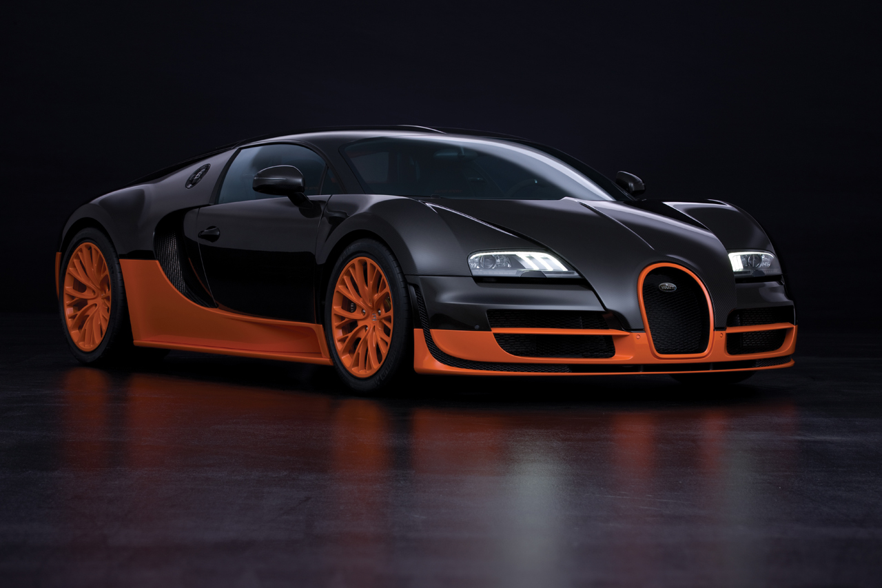 http://images.caradisiac.com/images/8/4/1/9/58419/S0-Bugatti-Veyron-16-4-Supersport-Les-photos-officielles-du-record-185733.jpg