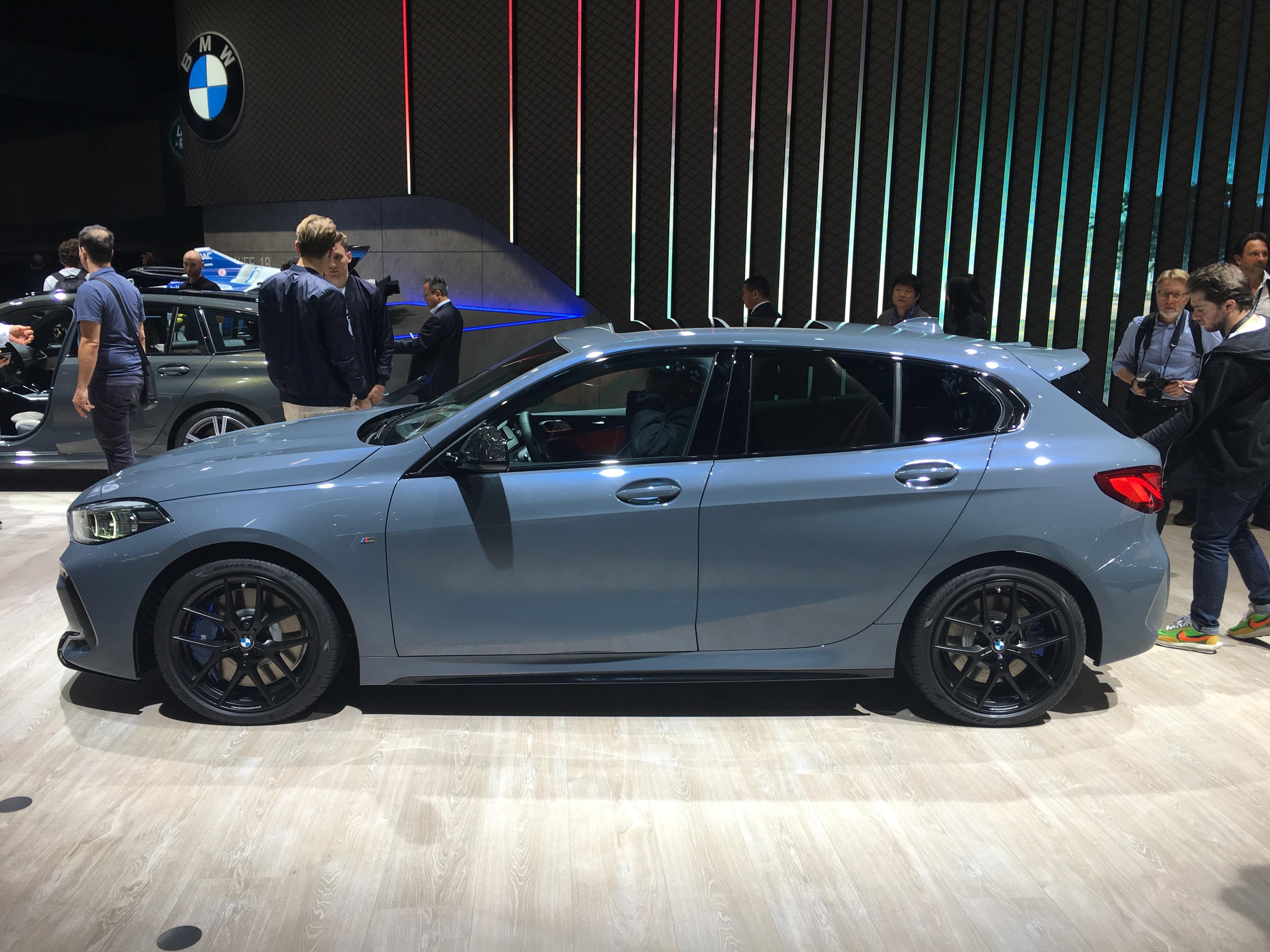 2018 - [BMW] Série 1 III [F40-F41] - Page 27 S0-bmw-serie-1-retrouvez-nous-le-mardi-10-septembre-pour-les-premieres-images-en-direct-602397