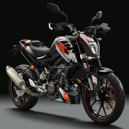 ktm des stickers pour la duke 125 et 200cc. Black Bedroom Furniture Sets. Home Design Ideas