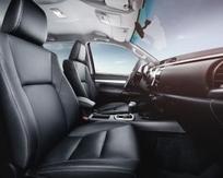 """Comme ses concurrents, Toyota soigne l'intérieur de son pick-up pour capter une clientèle de """"particuliers""""."""
