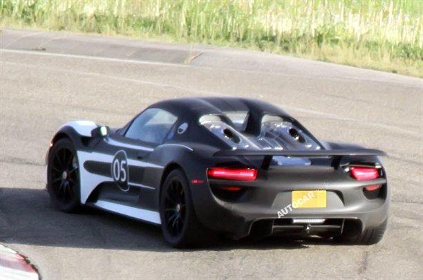 http://images.caradisiac.com/images/8/4/4/6/78446/S0-La-future-Porsche-918-Spyder-surprise-262301.jpg