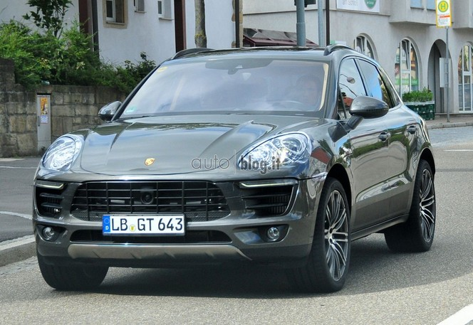 Surprise : le Porsche Macan presque nu