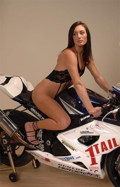 Moto & Sexy : la fille de chez 1Tail