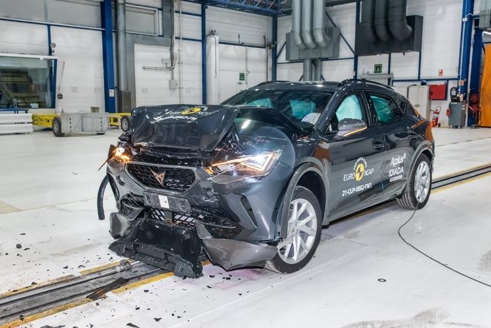 Crash-test : records pour les Cupra Formentor et Polestar 2, 5 étoiles pour le Renault Arkana - Caradisiac.com