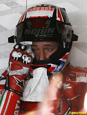 Moto GP: Grande Bretagne: Podium: 1, Stoner.