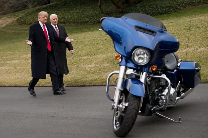 Harley-Davidson: des réductions d'impôt et des licenciements