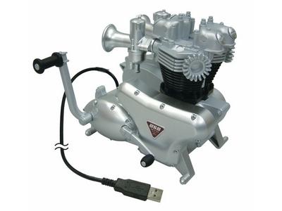 Un moteur de moto hub USB sur votre bureau