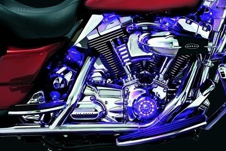 Küryakyn donne des couleurs à votre Harley ou votre Metric.