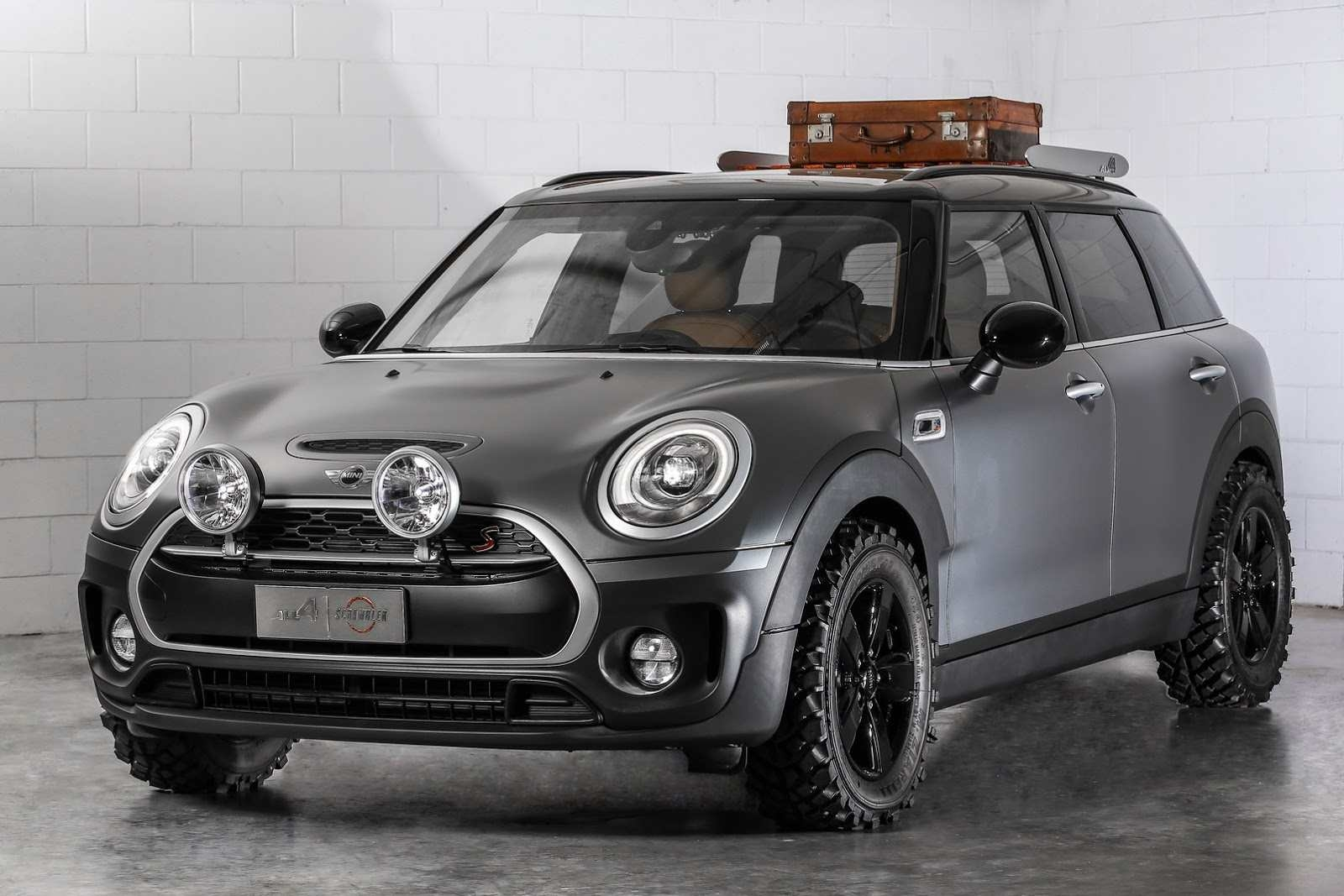 mini clubman all4 scrambler concept le baroudeur des motards. Black Bedroom Furniture Sets. Home Design Ideas