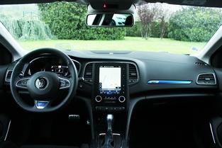 Tableau de bord de la Renault Mégane GT