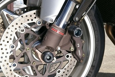 Sato Racing protège votre bolide...