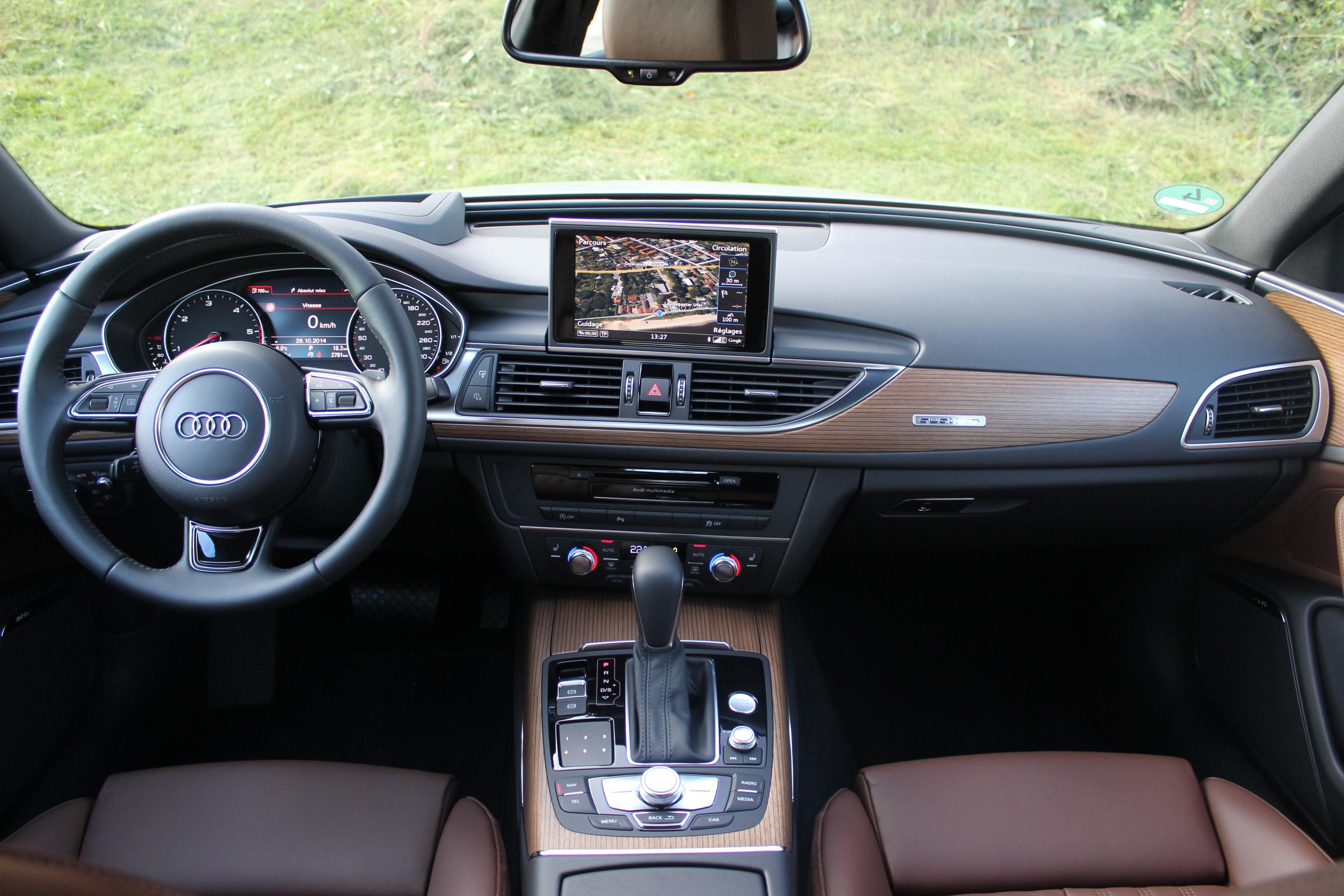 Essai vid o audi a6 restyl e la m me avec de nouveaux for Audi a6 avant interieur