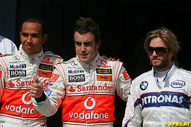 Formule 1: Mario se jette à l'eau pour Alonso