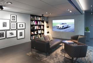 Un espace équipé d'une connexion Wi-Fi, d'une bibliothèque et d'un bar permet de profiter d'un instant de détente.