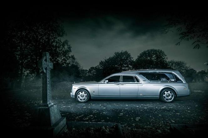 Une Rolls-Royce Phantom transformée en corbillard