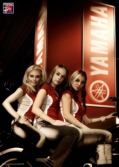 Moto & Sexy : Trois drôles de dame de chez Yamaha