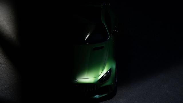 Mercedes : un premier teaser pour l'AMG GT R
