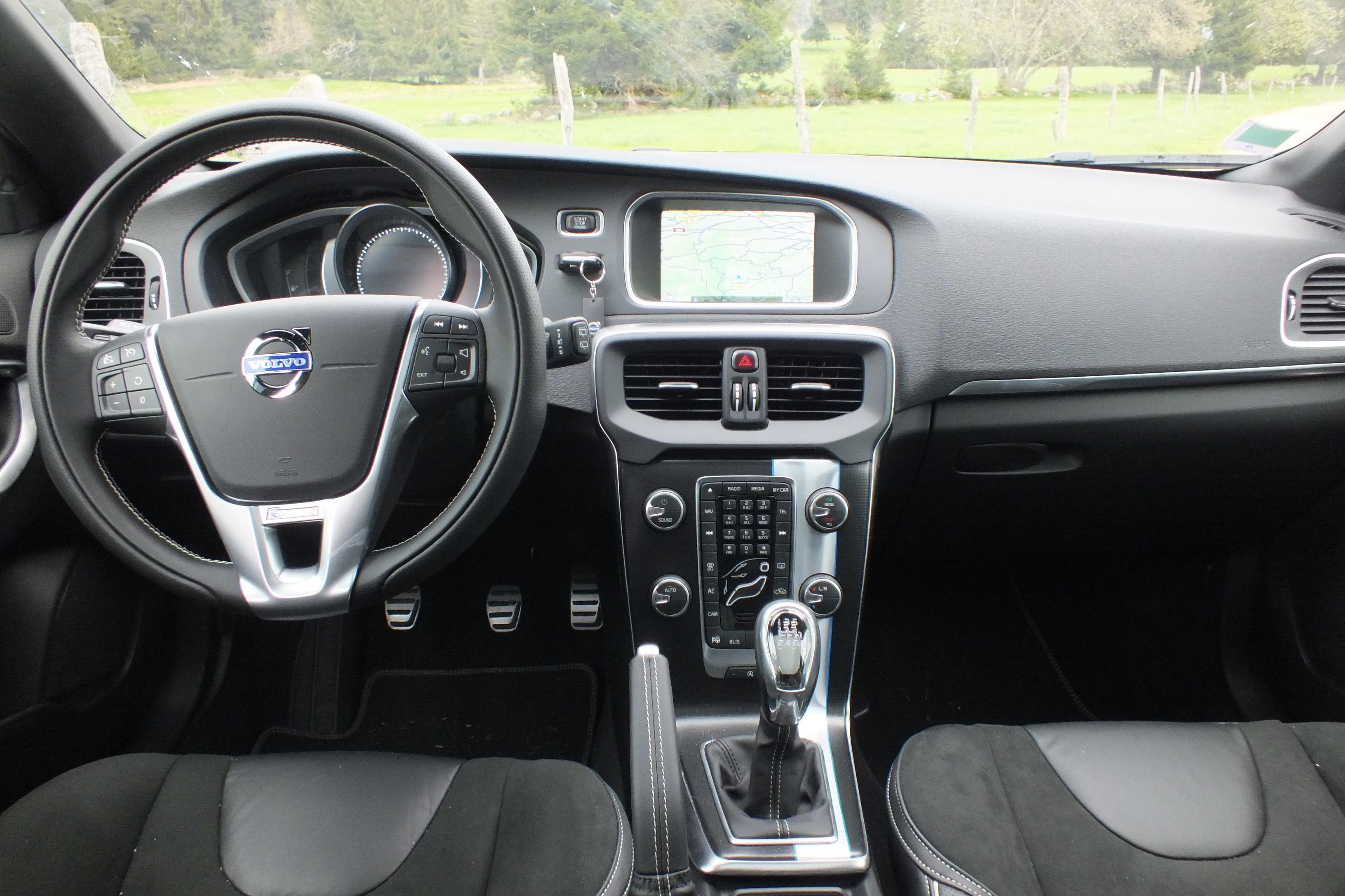 Emejing Volvo V40 R Design Interieur Images - Trend Ideas 2018 ...