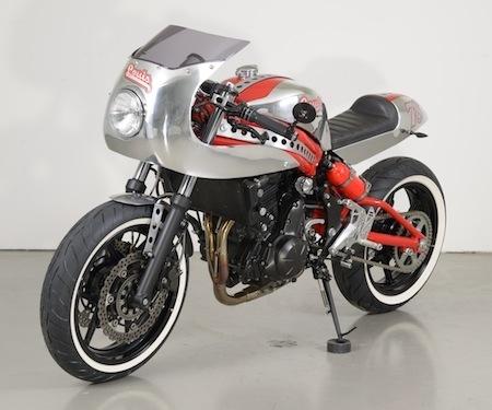 Prépa: Kawasaki ER-6n by Louis-Moto