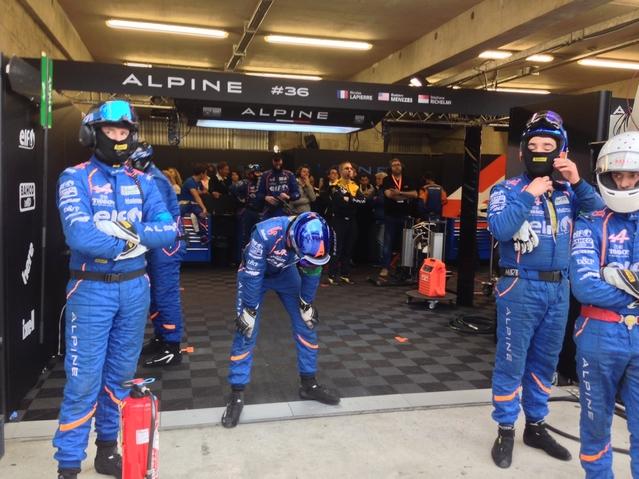 24 Heures du Mans (vidéos) : Caradisiac en direct du stand Alpine