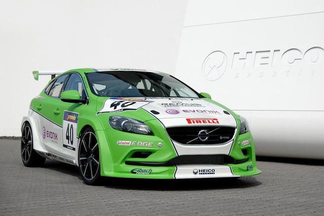Heico Sportiv dévoile la Volvo V40 de course