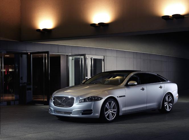 Toutes les nouveautés du salon de Francfort 2013 - Jaguar XJ restylée: confort et sport