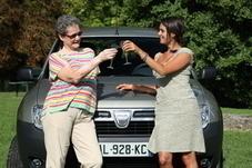 Vidéo : nos drôles de dames testent la Peugeot 208 avec Miss France 2012
