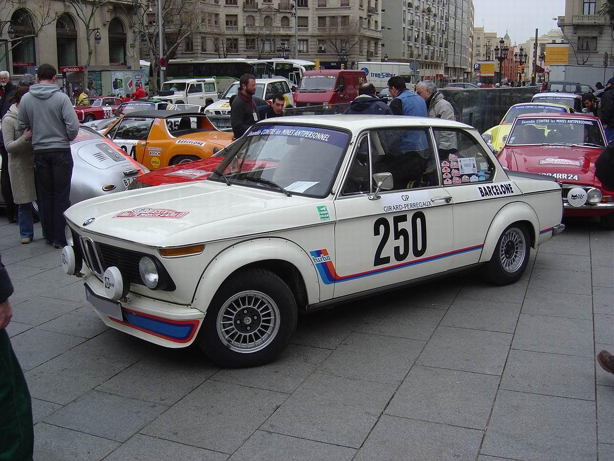 http://images.caradisiac.com/images/8/6/8/5/8685/S0-BMW-2002-Turbo-48989.jpg