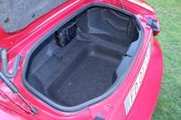 Le volume de coffre gagne 10 litres par rapport à la Mazda, soit 140 litres.