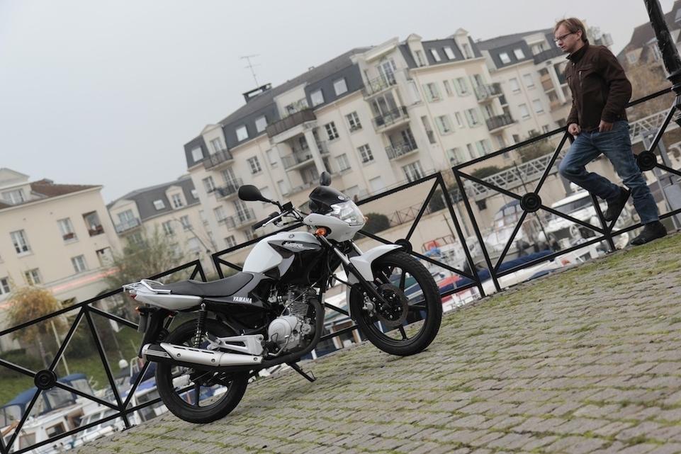 Essai Yamaha YBR 125 2014 : un monument sur le segment des motos 125