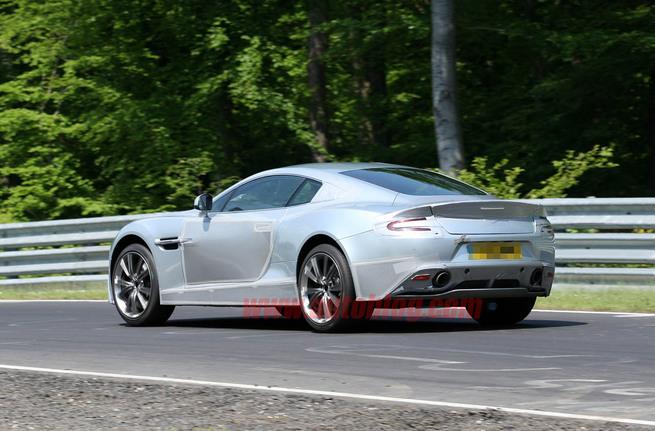Aston Martin doit-il prendre des risques ou bien rester fidèle au design actuel ?