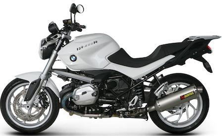 Akrapovic habille de titane la BMW R1200 R.