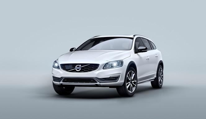 Volvo dévoile la V60 cross country