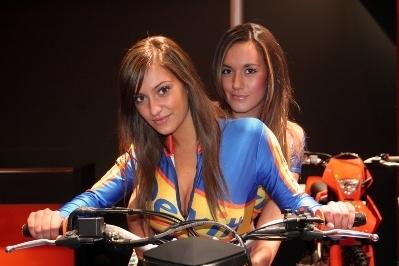 Moto & Sexy : pas toujours méchant ces assureurs...