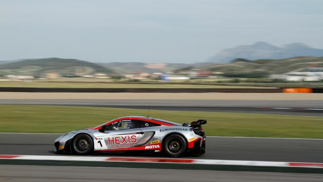 World GT - Hexis fait (enfin) triompher la McLaren MP4-12C