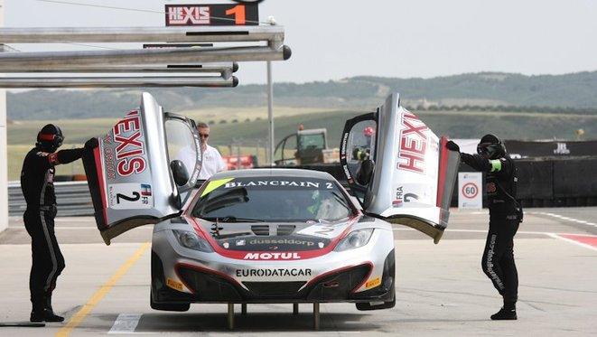 World GT - Hexis fait (enfin) triompher la McLaren MP4-12C