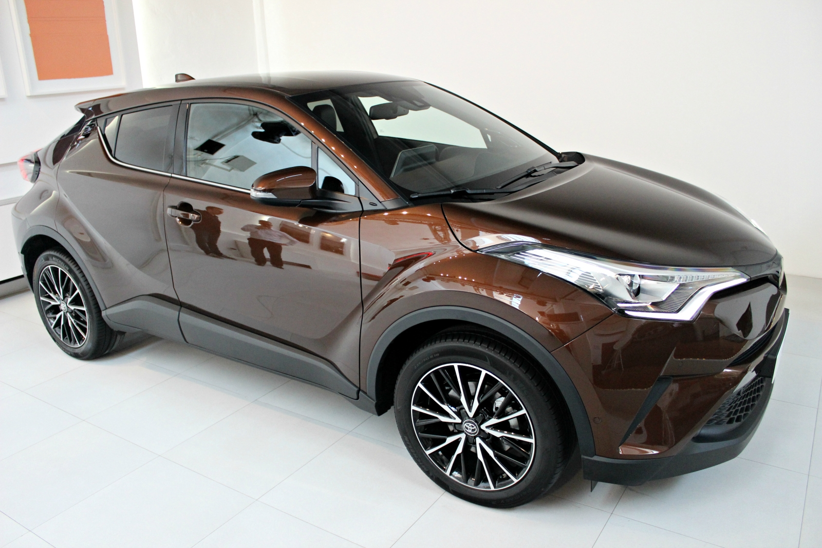 [Image: S0-presentation-video-toyota-c-hr-que-re...381298.jpg]