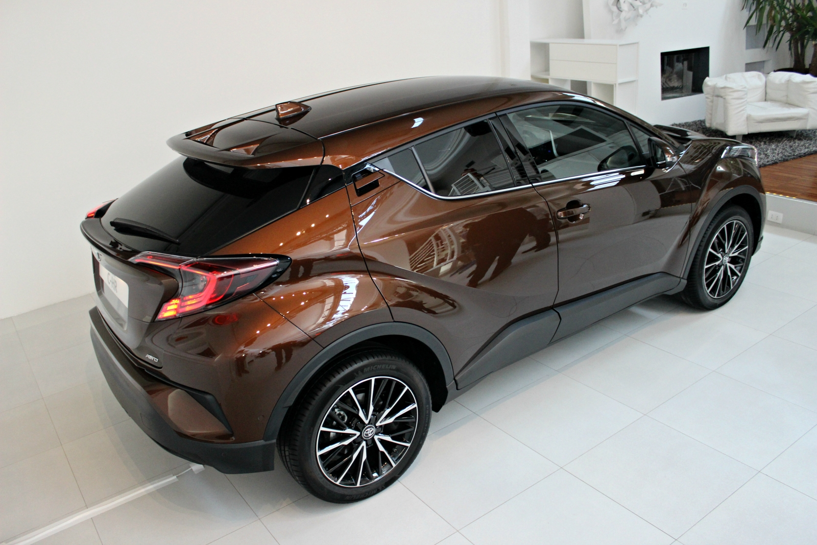 [Image: S0-presentation-video-toyota-c-hr-que-re...381303.jpg]