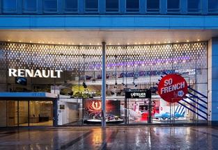 L'Atelier Renault, au n°53. Le Losange est sur les Champs depuis 1910.