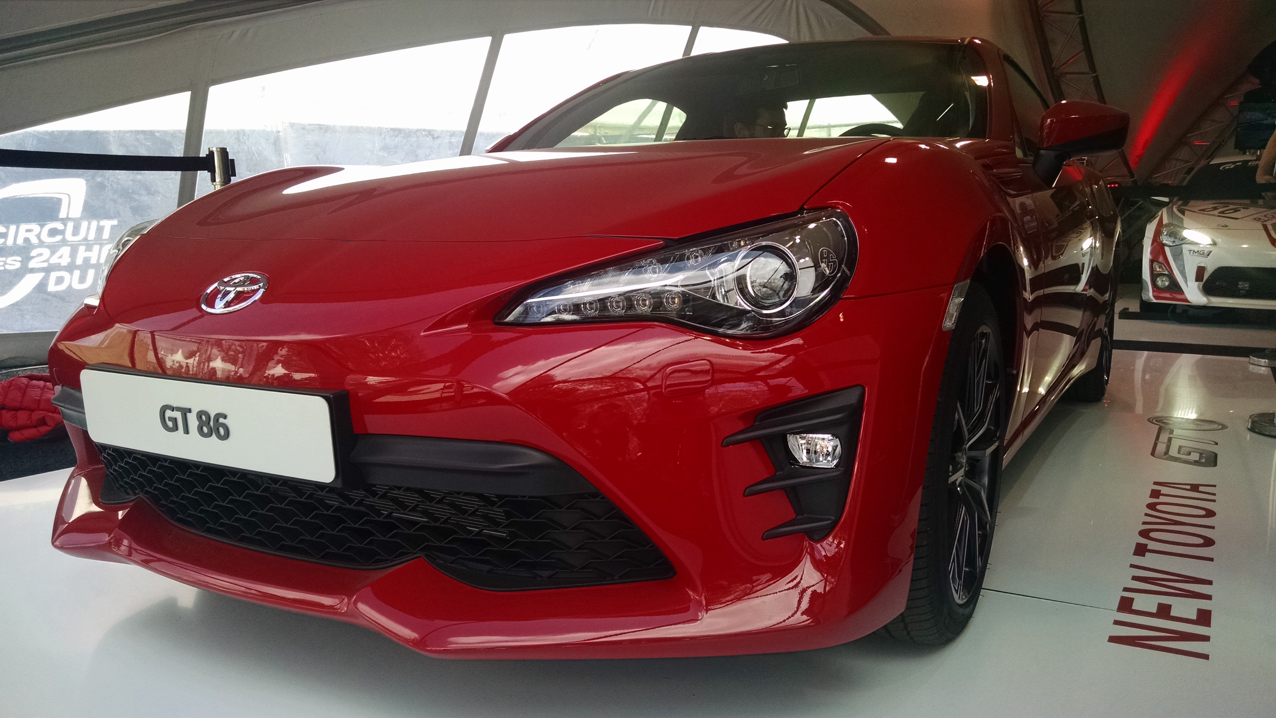 dcouverte vido toyota gt86 restyle volutions passion discrtion