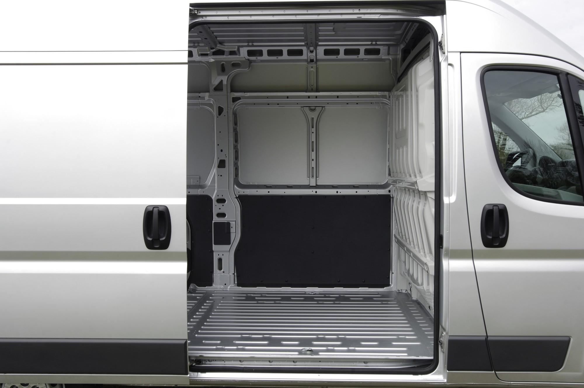 Peugeot Boxer фургон L1H1   купить новый или б/у, фото